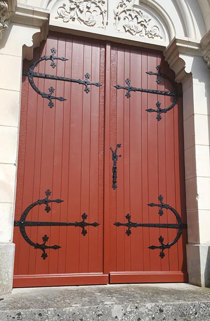 Réfection de portes d'église